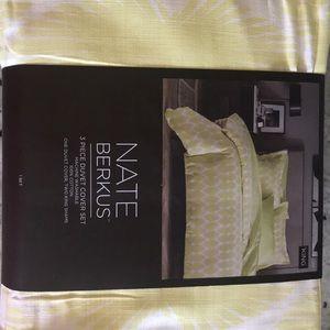 Brand New King Sz Nate Berkus 3 pc Duvet Cover Set